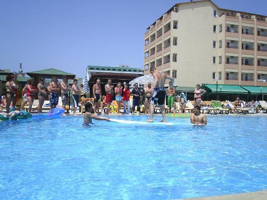 Xeno Eftalia Resort Hotel: games round the pool