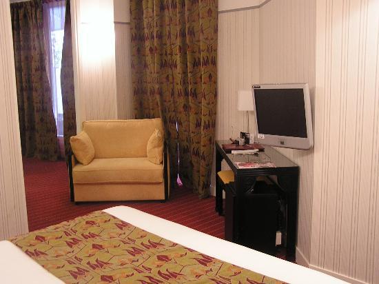 Hotel Eiffel Seine: Our suite