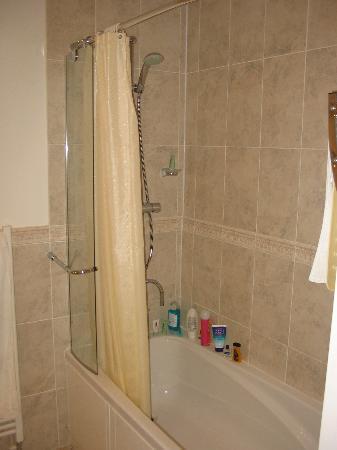 Fernhill Hotel: the prestige bathroom