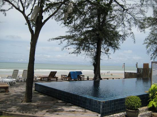 Baan Talay Dao Resort : the pool