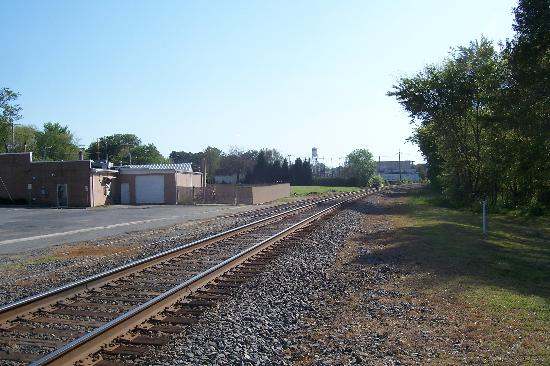Train tracks through Pineville