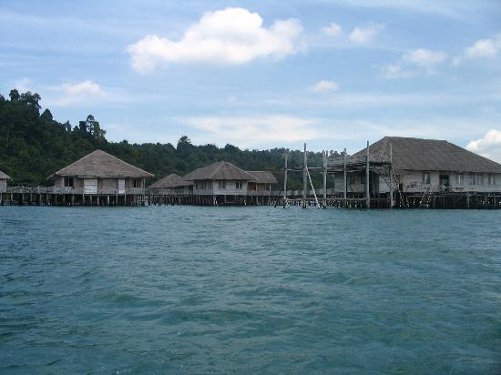 Telunas Beach Resort: A view from the side.