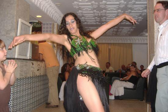 Hotel Les Citronniers: Our Belly Dancer, no offence but is that a man or woman