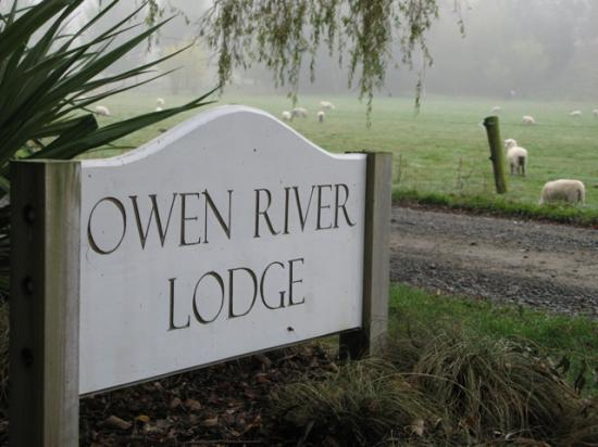 Owen River Lodge: I had to take a photo of the sign to remind me of the welcome