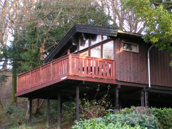 Brockwood Hall: A lodge