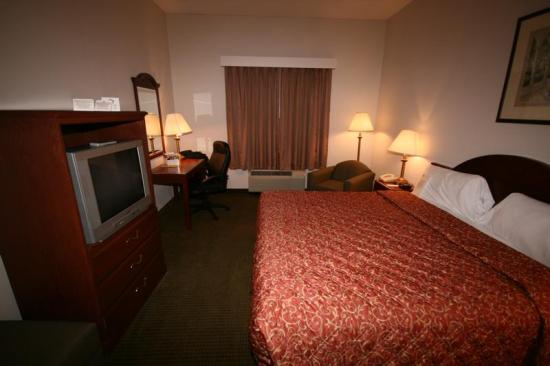 Days Inn & Suites Laurel Near Fort Meade: Photo of room 110