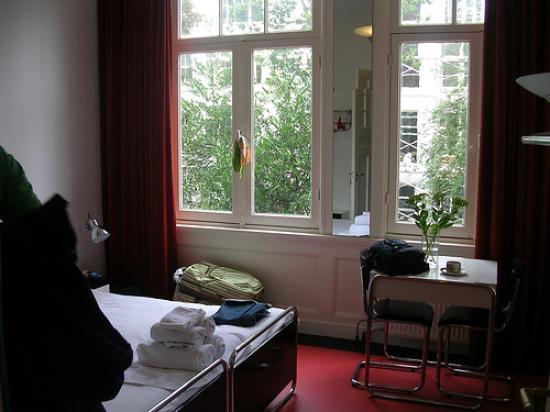 The Collector Bed & Breakfast: Bedroom 2