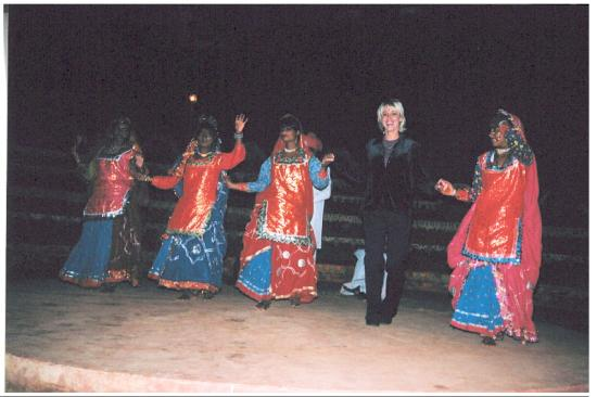 Jaipur show  - dancing with local girls