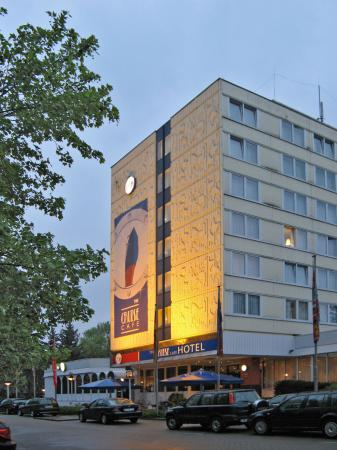 Best Western Hotel Bremen East: hotel cruise cafe front side