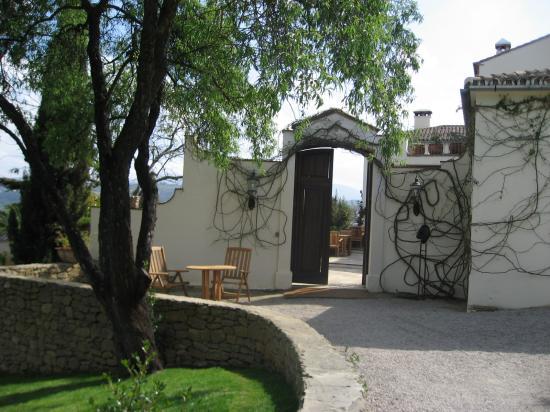 Hotel La Fuente De La Higuera: Gateway to heaven