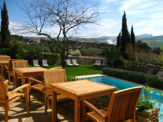 Hotel La Fuente De La Higuera: A lovely sunny spot