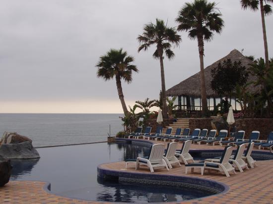 palapa bar picture of las rocas resort spa rosarito. Black Bedroom Furniture Sets. Home Design Ideas