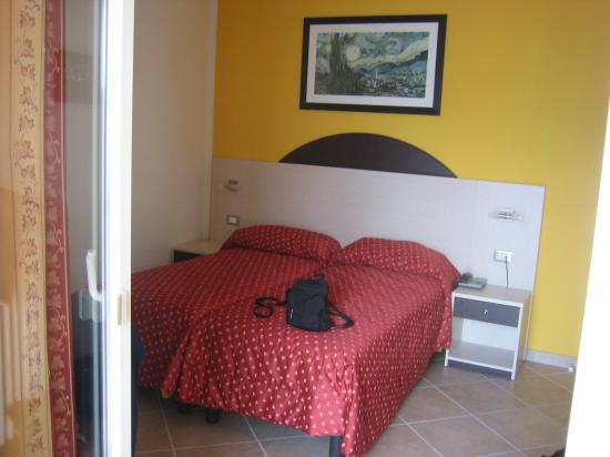 Hotel Sirena: Zimmer