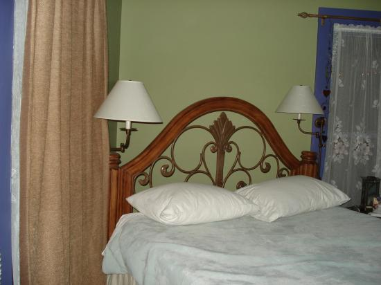 The Gardens At Mile High Ranch: bedroom