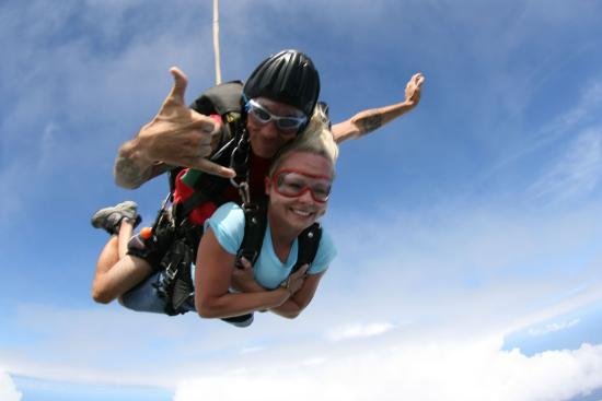 Mile of smiles. - Picture of Skydive Hawaii, Oahu ...