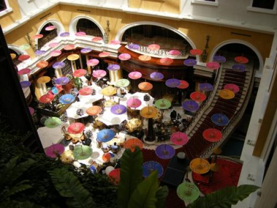 Movenpick Hotel & Apartments Bur Dubai : The atrium decorated for a food festival