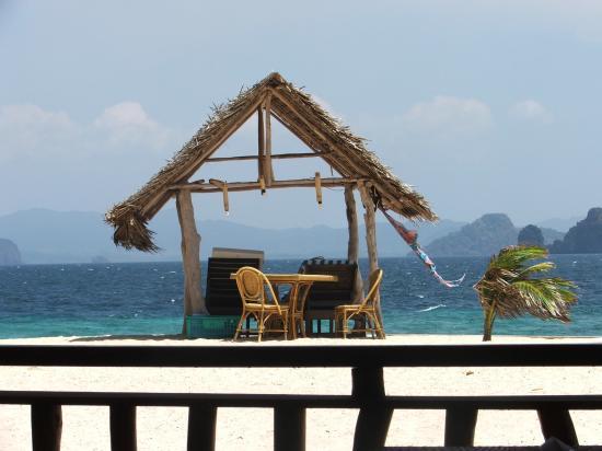 El Nido Resorts Lagen Island: Luch at Small island