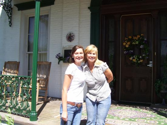 Falls of Rough Resort: My girlfriend with the awesome hostess, Mary.