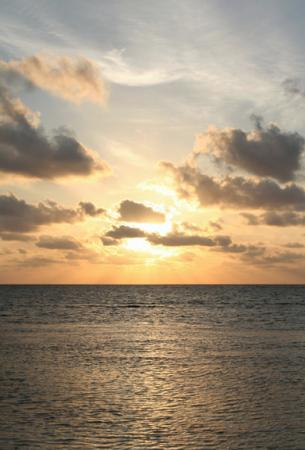 Balamku Inn on the Beach: Early morning sunrise