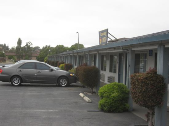 Economy Inn: A very ordinary looking motel, but it works