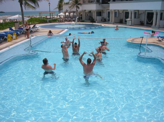 Pool volleyball picture of the royal playa del carmen - Pool volleyball ...