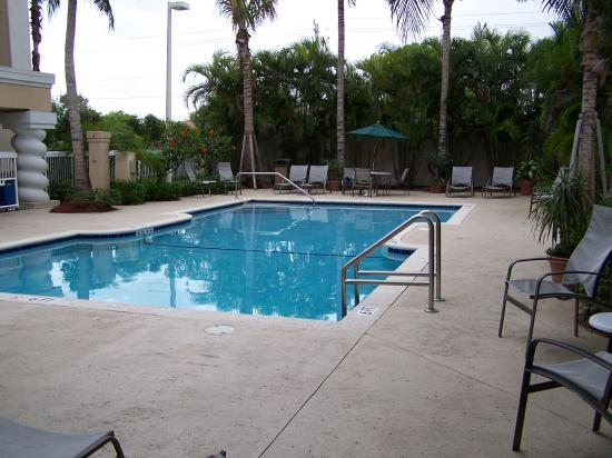 Hampton Inn Ft. Lauderdale Plantation: Swimming Pool View