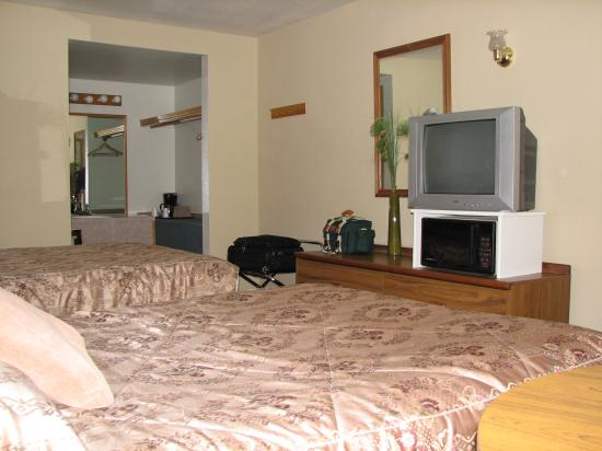 Resort City Inn: Double room