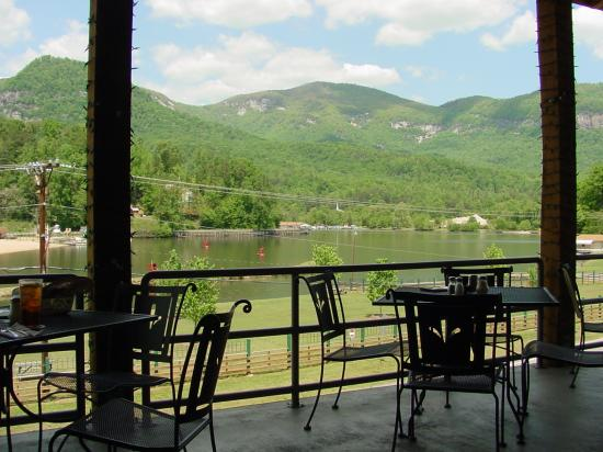 Lake Lure, NC: La Strada Porch View 2