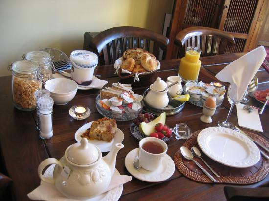 Boogaard's Bed and Breakfast: Breads, meats, cheeses and rolls for breakfast, plus Peter's famous Bread & Butter pudding!