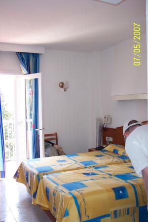 Hotel Don Bigote: Hotel room