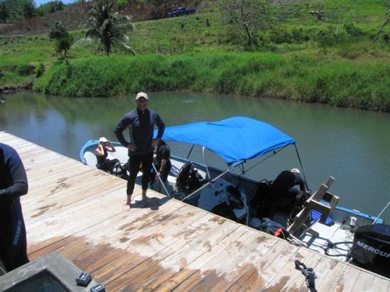 Turquoise Bay Dive & Beach Resort: Subway Dive Boat