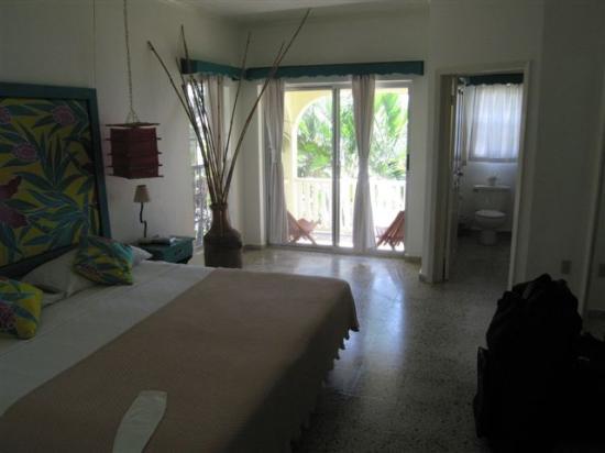 Turquoise Bay Dive & Beach Resort: Room