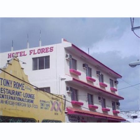 Hotel Agave Azul: Hotel next doo