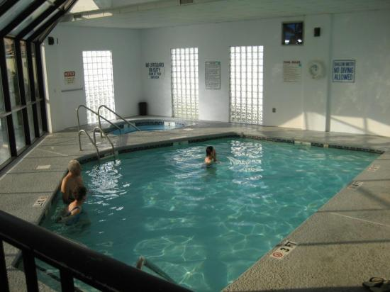 Sea Horn Motel: Indoor Pool