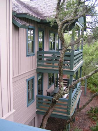 Disney's Hilton Head Island Resort: View of balcony area