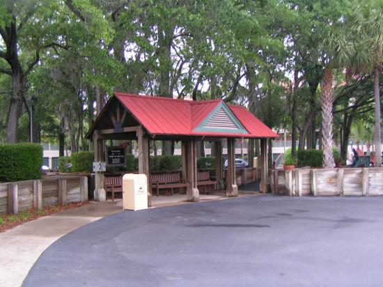 Disney's Hilton Head Island Resort: Beach House Shuttle Stop