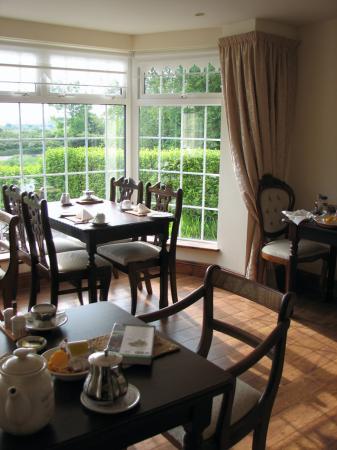 Innisfree B&B: Breakfast dining room