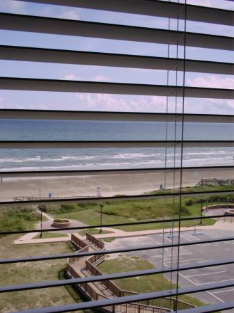 ‪‪Holiday Inn Club Vacations Galveston Beach Resort‬: View from Master bedroom‬