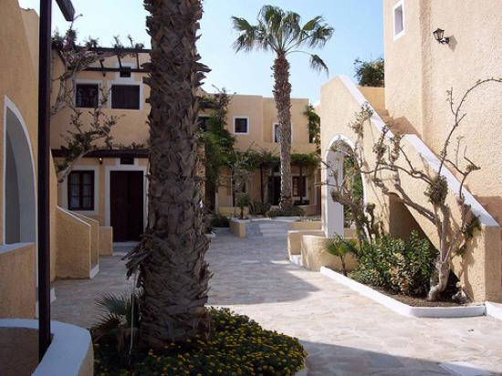 Bellonias Villas : Courtyard