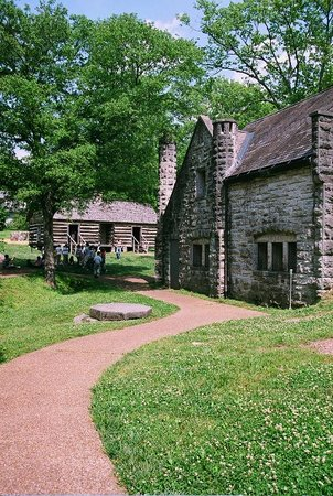 Belle Meade Plantation: the dairy house with slave quarters in the background