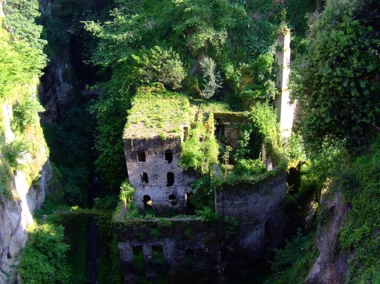 Hotel Savoia: The mill