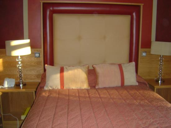 Glenavon House Hotel: Bed