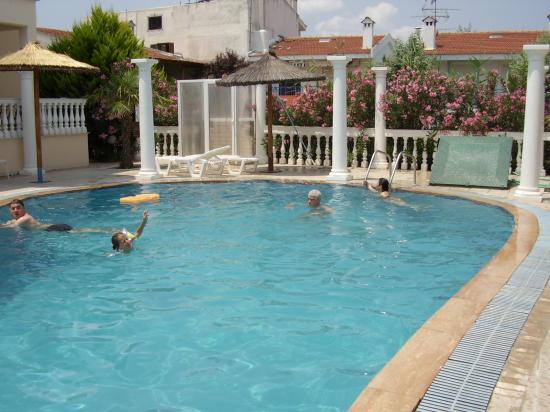 Hotel Rigakis: pool