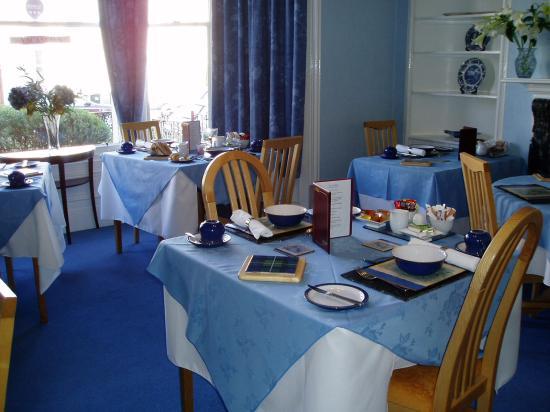 Crown Hotel Guesthouse: breakfast room