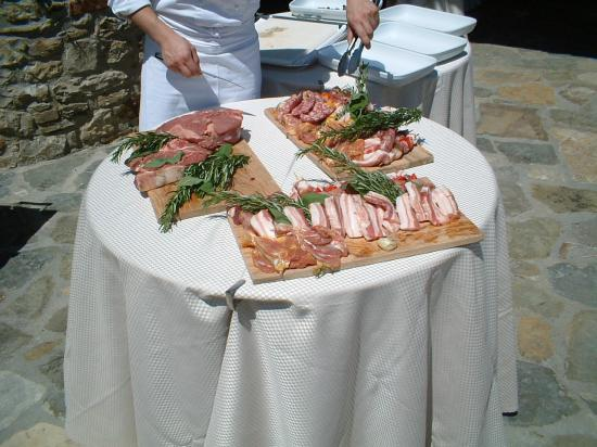 Hotel Le Fontanelle: barbeque food!!