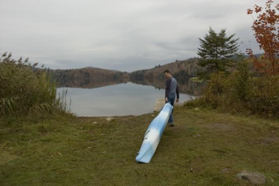 Mountain Meadows Lodge: The lake