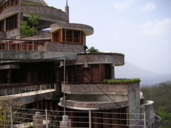 Jade Mountain Resort : Jade Mountain Exterior 1