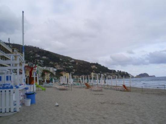 Diana Grand Hotel: The beach in Alassio