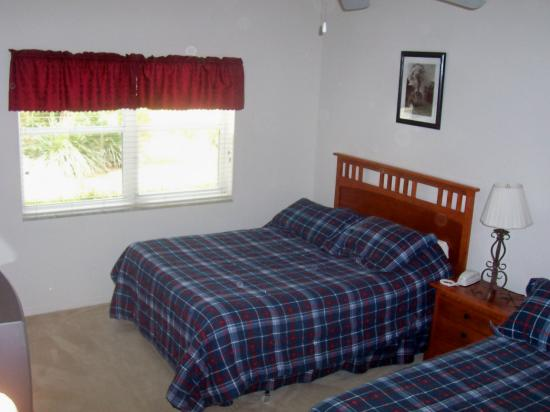 Perfect Drive Vacation Rentals: Master Bedroom
