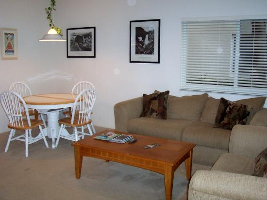 Perfect Drive Vacation Rentals: Dining/Living Areas